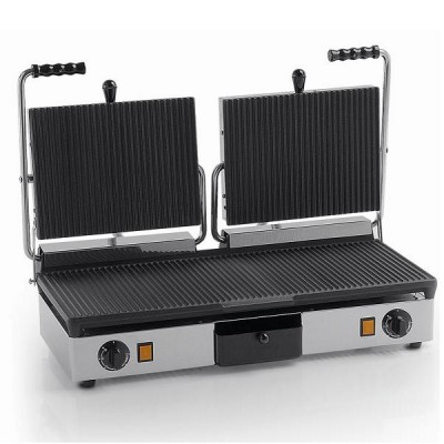 Double electric grill with cast iron and grooved plates. Model: PDR3000 - Fama industrie