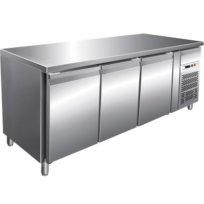 Refrigerated stainless steel table -2°/ 8°C gastronomy 3 doors, AISI 201 stainless steel. GN3100TN-FC - Forcar